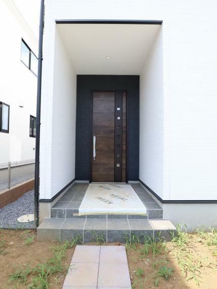 玄関 【3号棟】TVモニター付きインターホン・ポスト・散水栓