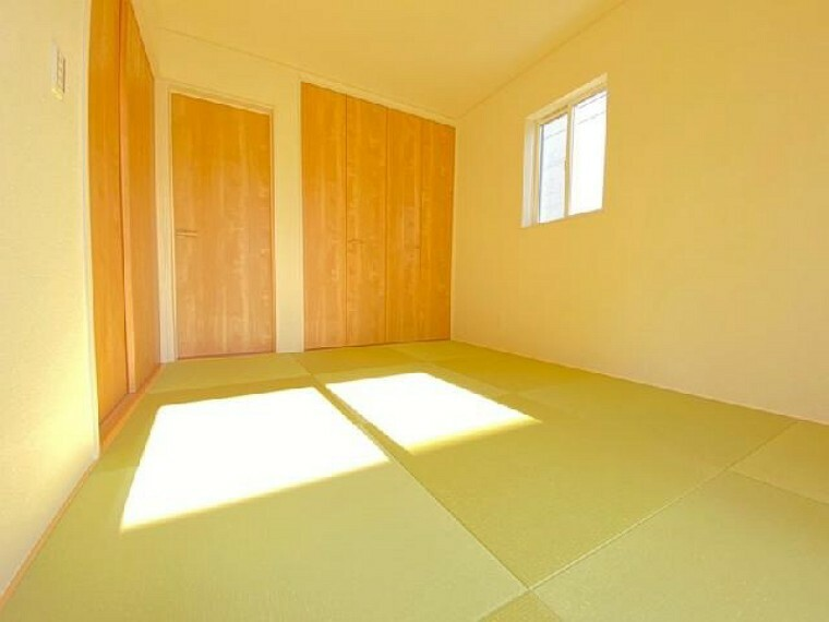 C号棟:和室(同仕様施工例)・・・リビングと間続きの6帖の和室は、琉球風畳になっていますので、お洒落ですよ!
