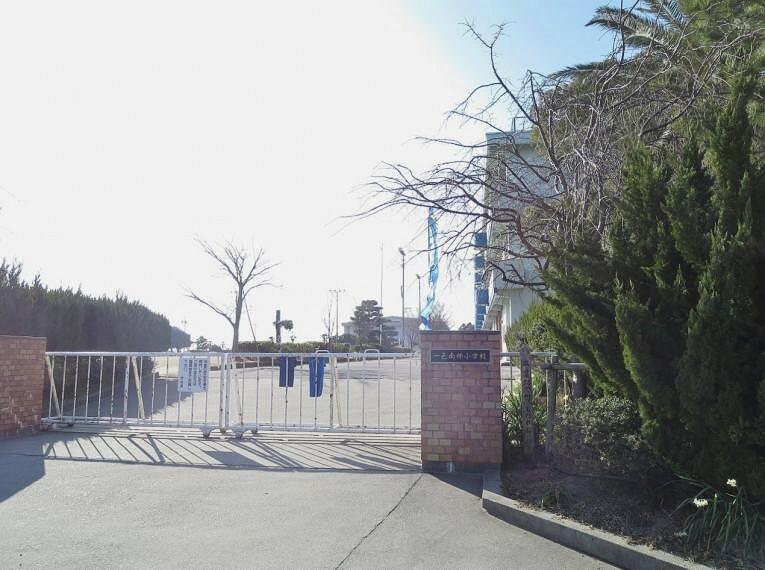 小学校 西尾市立一色南部小学校1000m