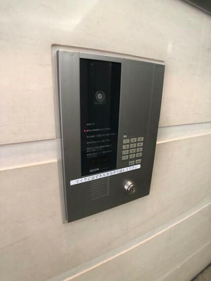 TVモニター付きインターフォン モニター付きインタホンはお子様や女性に安心の設備ですね。