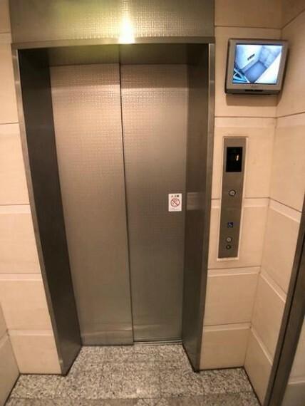 カメラ付きのエレベーターで安心!