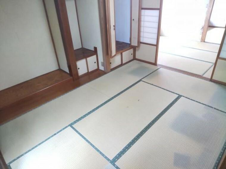 ダイニング 【リフォーム中】続き間の和室は今回のリフォームで、18帖のLDKに工事を行います。洋室が増えると部屋使いに幅が増えていいですね。