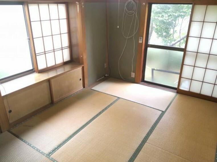 和室 【リフォーム中】こちらは一階6帖和室になります。今回のリフォームで畳の表替え、ふすま、障子の張替えを行います。客間として利用してはいかがでしょうか