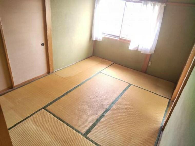 和室 【リフォーム中】こちらは2階6帖和室になります。和室は畳の表替えを行います。