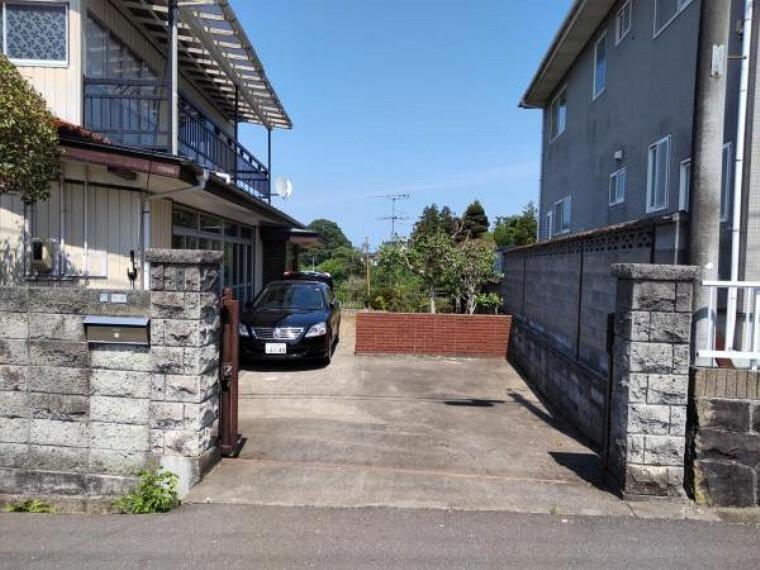 外観写真 【リフォーム中】庭木はすべて伐採し、駐車スペース4台確保します