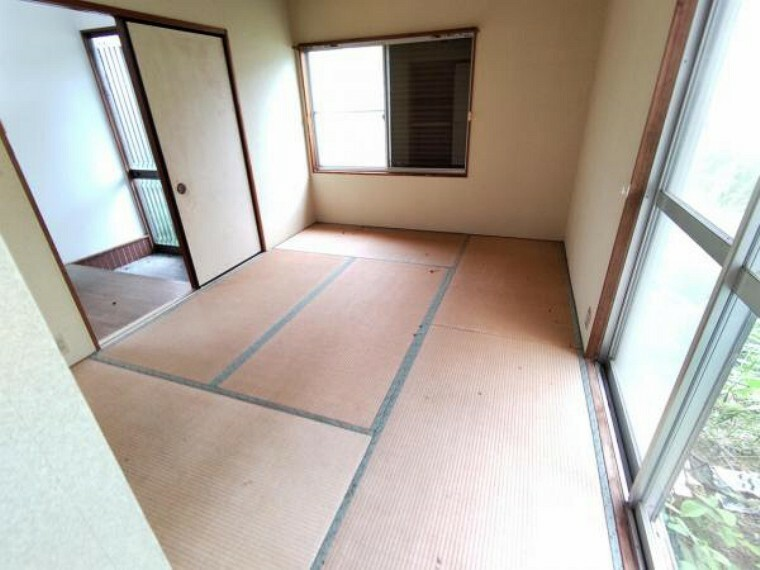 和室 【リフォーム中】1階和室です。畳の表替えの他、襖の張替えなどを行う予定です。
