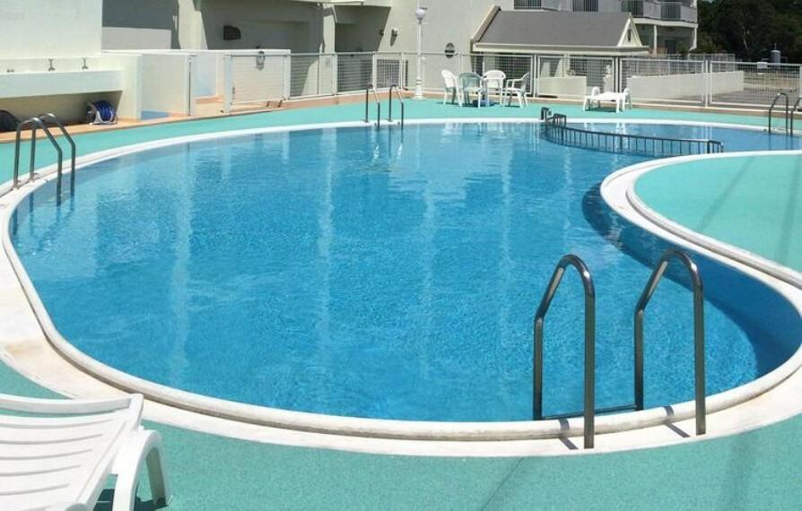 敷地内にはプールあり 南房総の日差しを浴びながらリゾート感覚で暮らせる住まい