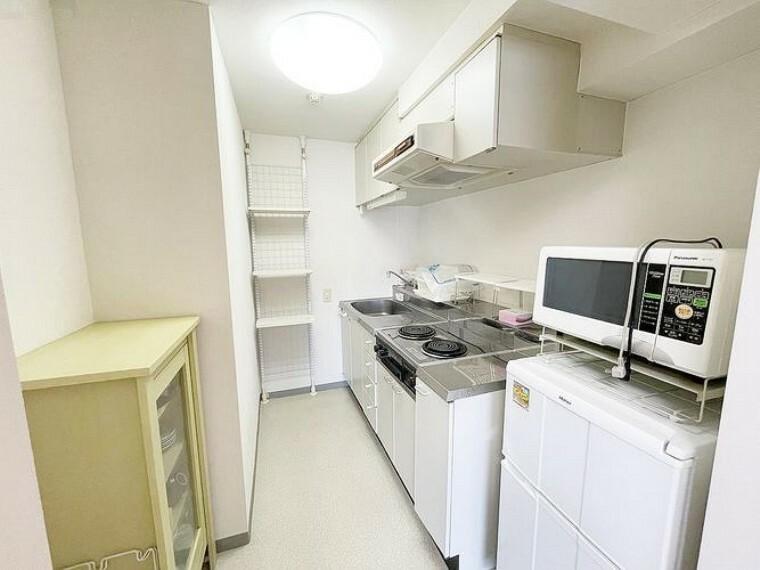 キッチン キッチンには収納スペース多数あり 使い勝手の良い実用性のあるキッチンです。