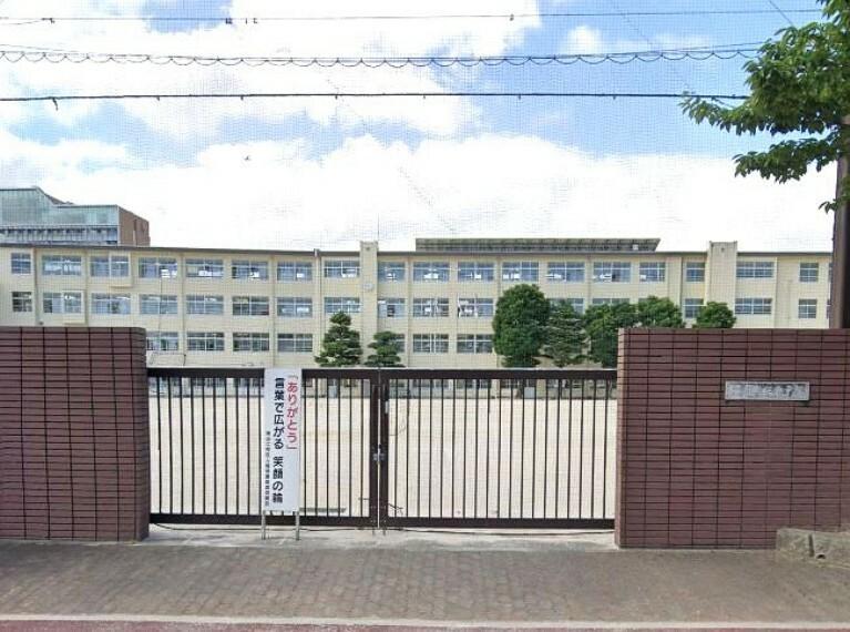 小学校 【小学校】福岡市立南当仁小学校まで574m