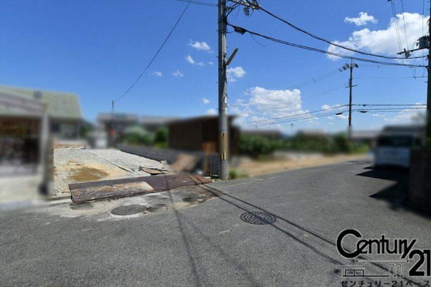 現況写真 ■現地撮影写真■前面道路は広々5.2mあります!