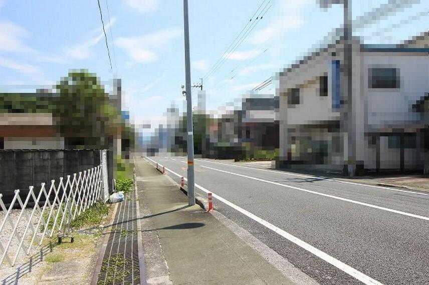 現況写真 前面道路→東