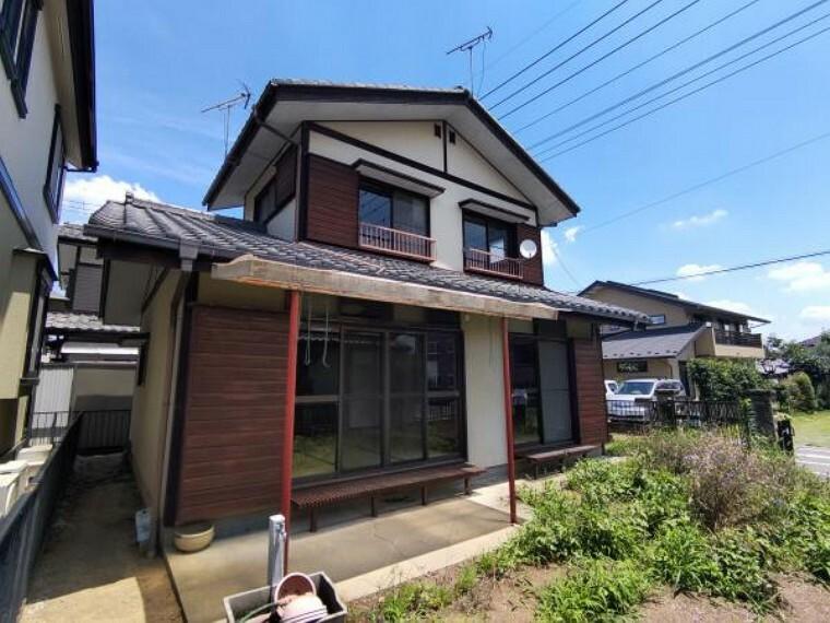 外観写真 【現在リフォーム中】お家の外観写真です。外壁塗装を行うので、お家の印象もガラッと変わります。お家は見た目にもこだわりたいですよね。