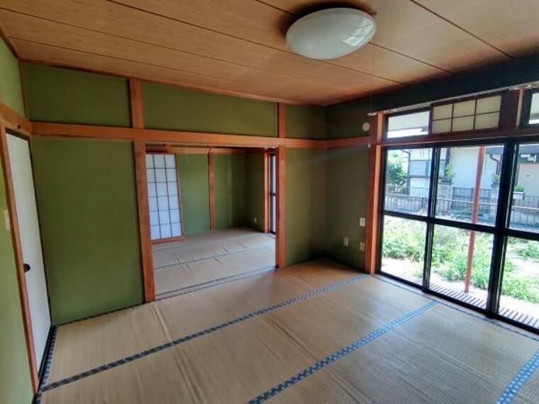居間・リビング 【現在リフォーム中】西側和室はDKと繋げてリビングへと間取り変更します。また、南向きなので日当たりも良好です。