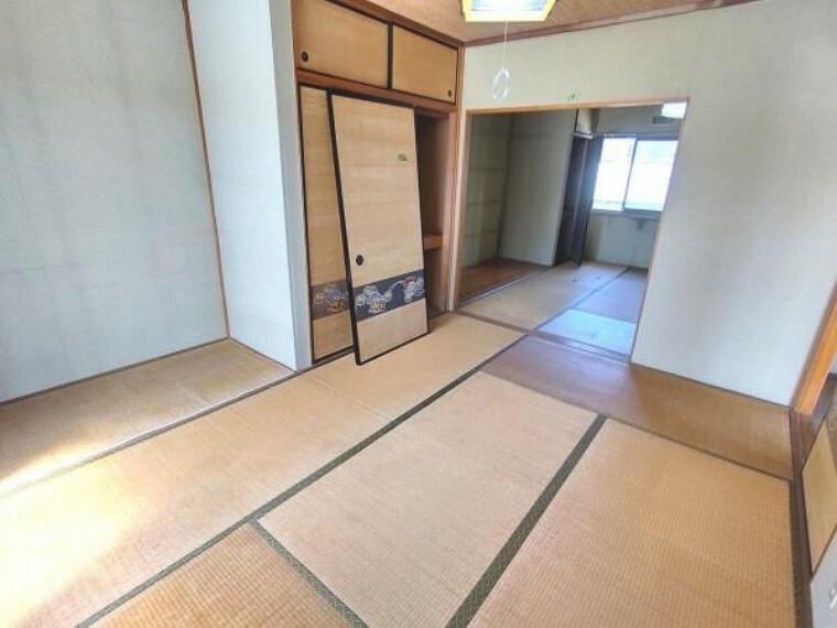 【リフォーム中】2階南西和室は洋室へ変更予定です。また、南北の間に壁を新設予定です。床はクッションフロアを張り、壁と天井は白色のクロスを張る予定です。建具もクロスの張替えを行います。照明は交換いたします。