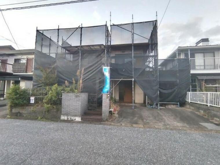 外観写真 【リフォーム中】外観写真です。外壁、屋根、雨戸、雨樋は塗装を行います。