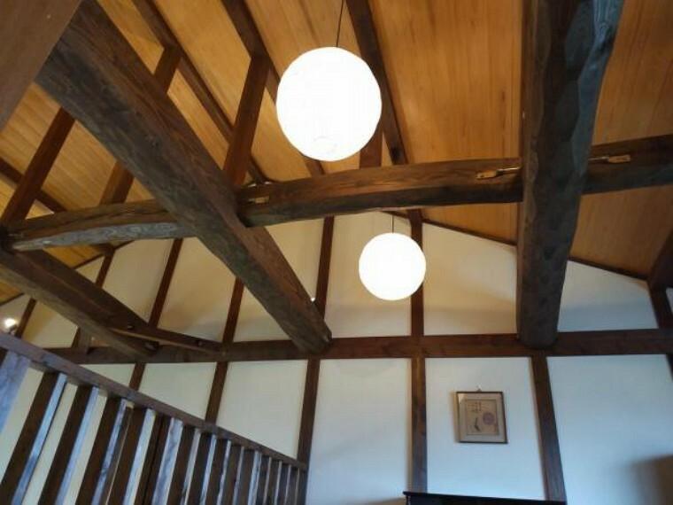 【リフォーム中】2階のロフトです。大きな提灯は玉交換します。張りが見えているのが、ほっこりしますね。