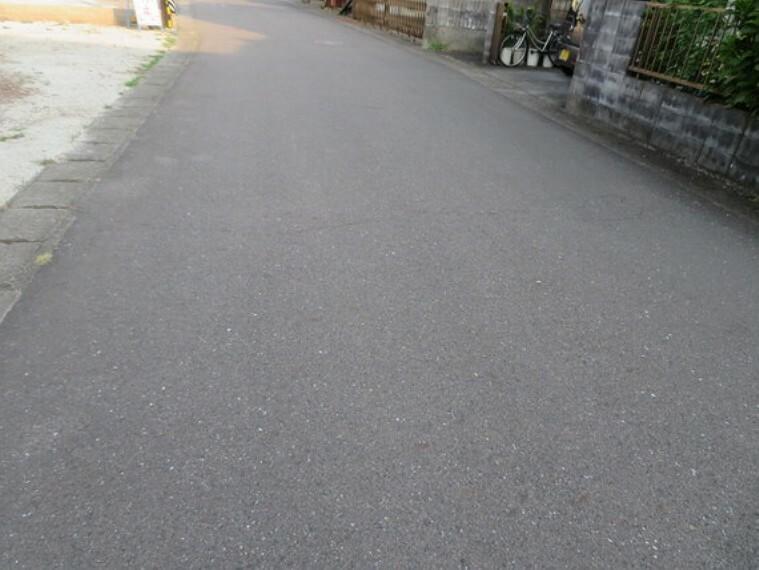 現況写真 前面約6m道路に接道した開放的な立地。