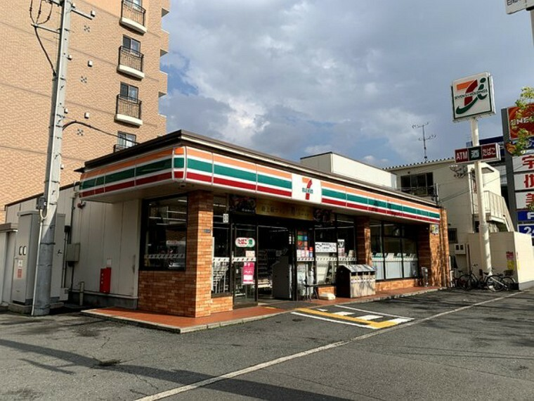 コンビニ セブンイレブン東大阪長田西4丁目店