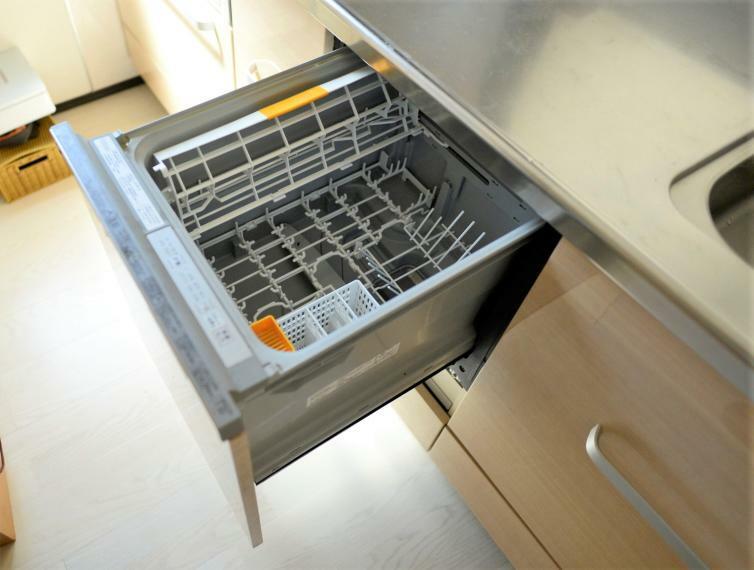 キッチン 手に優しい後片付けおまかせの食器洗浄乾燥機つき!