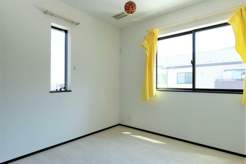子供部屋 日当たりや風通しがよく、お子様部屋としても快適に活用頂けます。