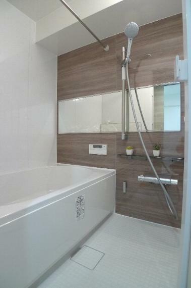 浴室 浴室換気乾燥機付のユニットバス 追い焚き機能付です!