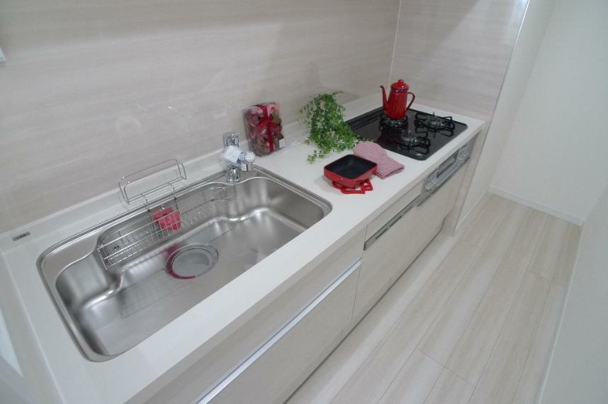 キッチン 食洗器・オールインワン浄水栓付のシステムキッチン