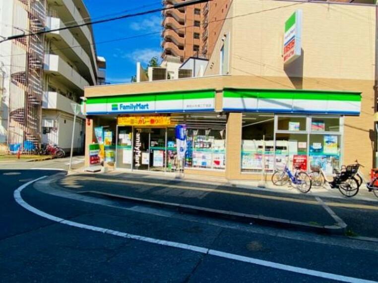 コンビニ ファミリーマート 明石小久保2丁目店