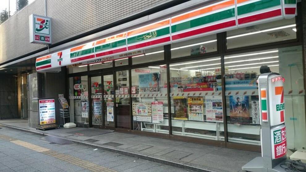 コンビニ 【コンビニエンスストア】セブンイレブン 台東浅草橋3丁目店まで204m