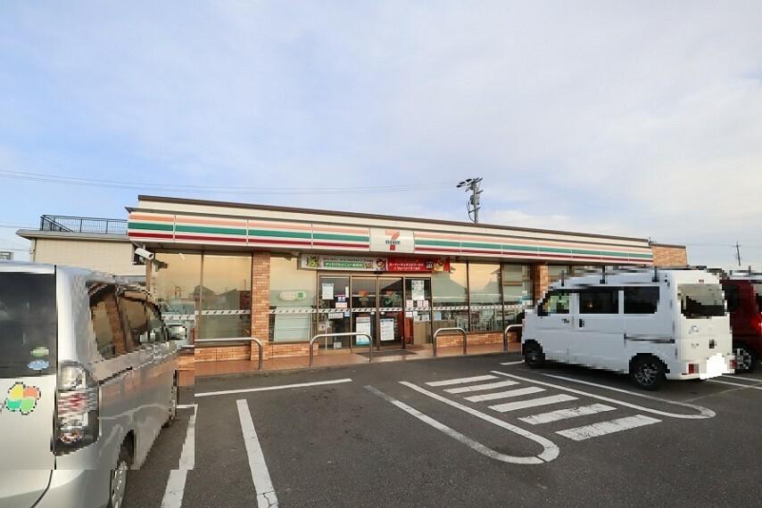 コンビニ セブン-イレブン 一宮萩原町花井方店