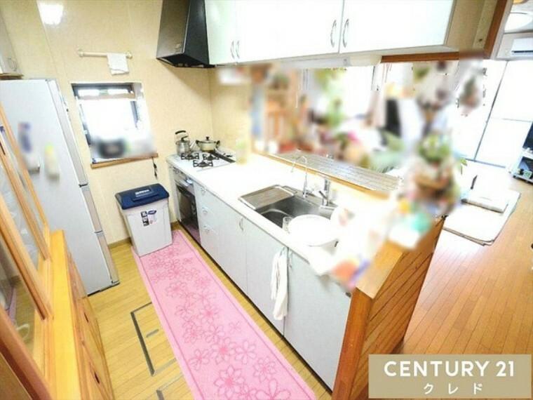 キッチン 作業スペース・シンクがとても広く、ゆったりとお使いいただけます!毎日使うからこそ、こだわりを持ちたいですね! お問合せはセンチュリー21クレド川越店まで!