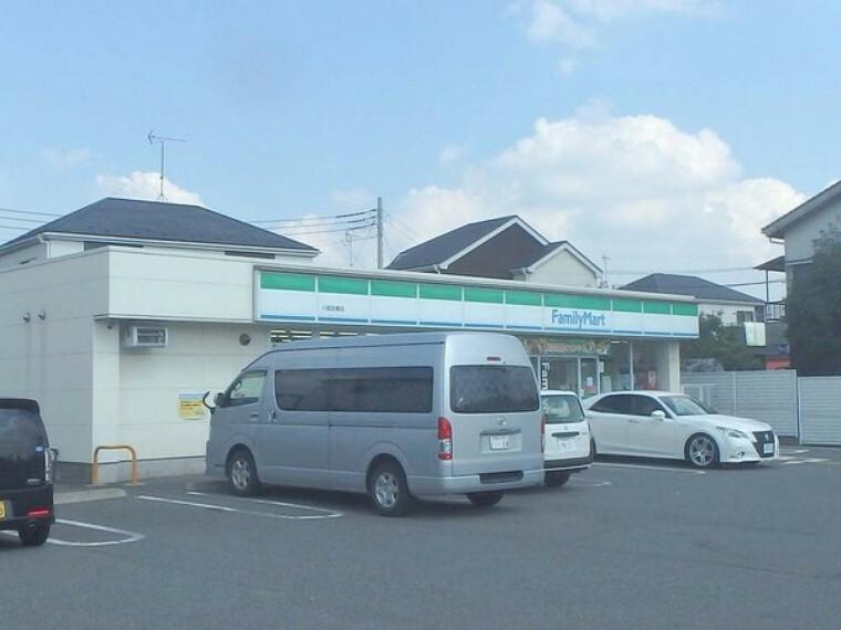 コンビニ ファミリーマート川越笠幡店