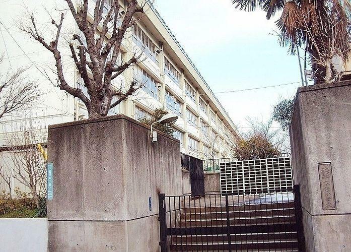 小学校 目黒区立不動小学校 徒歩10分。