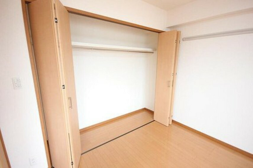 収納 収納スペースが付いていて、お部屋を広く使っていただけます。荷物の多い方も安心です。