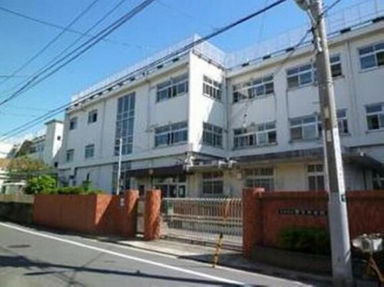 中学校 大田区立安方中学校まで796m 学ぶ、鍛える、思いやる。
