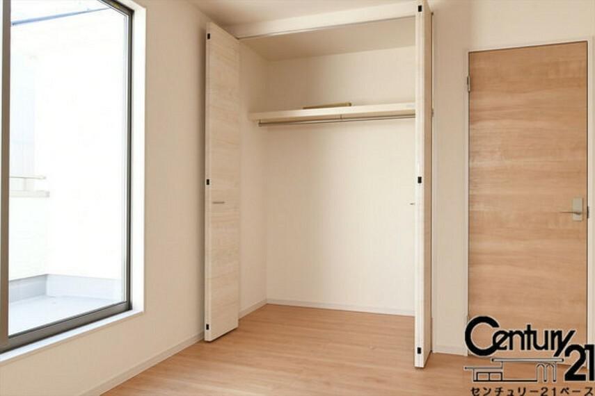 同仕様写真(内観) ■全居室に広々収納スペース完備!■