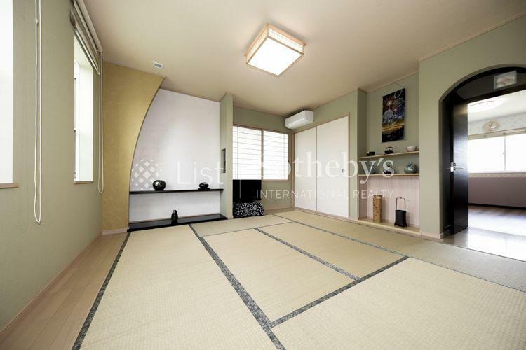 約9.5帖の和室はお茶会も楽しめる十分な広さを確保