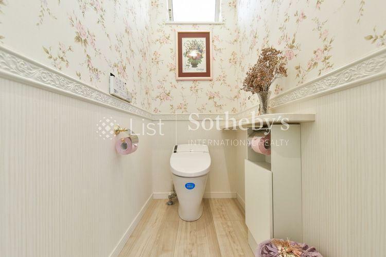 トイレ お手入れも楽々なタンクレストイレ採用