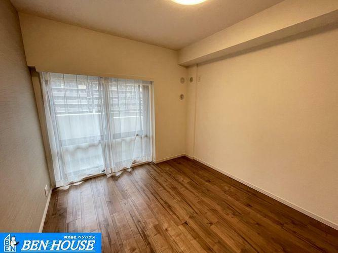 洋室 ・ペット飼育可マンション・各居室収納完備はもちろんリビング収納・玄関収納もあり、どちらのお部屋もスッキリと利用できますね・住宅ローンのご相談も賜ります・現地へのご案内はいつでも可能です