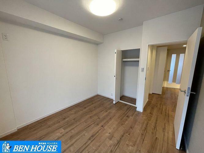 洋室 ・居室4室は窓がございますので、いつでも換気できます・それぞれのお部屋でもゆったり過ごせます・現地へのご案内はいつでも可能です・住宅ローンのご相談も賜ります・是非ご確認ください