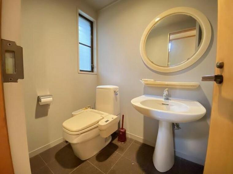 トイレ トイレには独立手洗いがございます