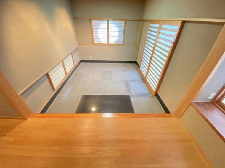 玄関 ゆとりのある重厚感のある玄関。