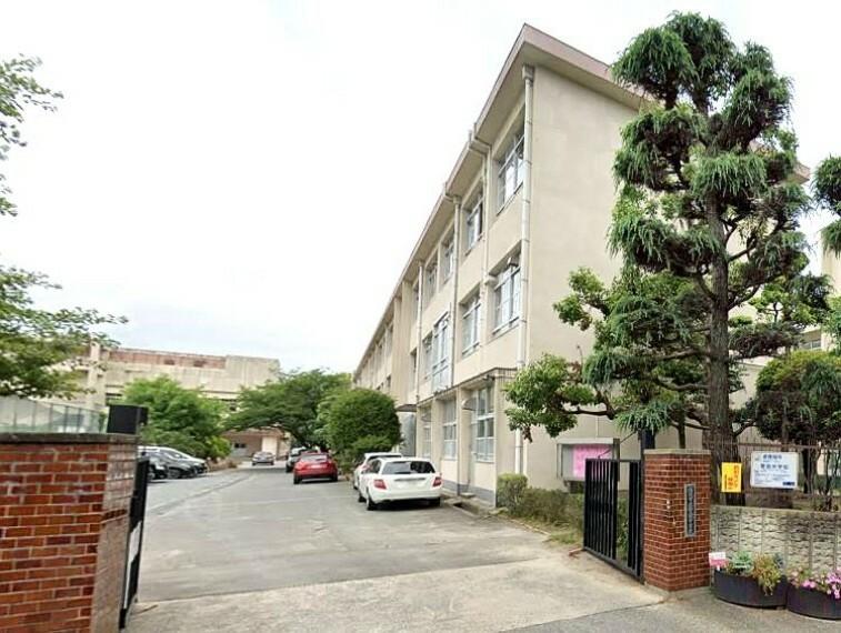 中学校 【中学校】福岡市立警固中学校まで890m