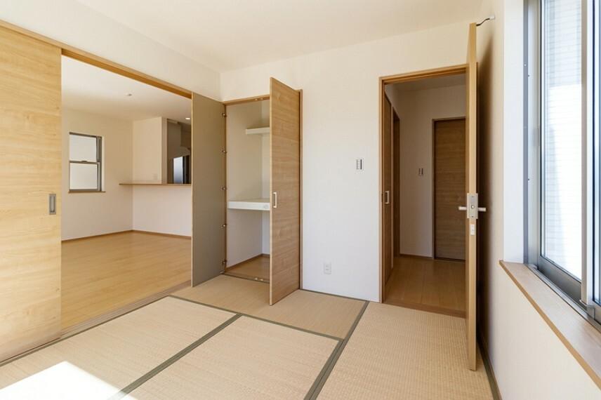 和室 和室   畳や障子などで日本の情緒を感じることができる空間です
