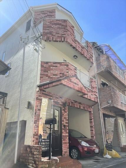 外観・現況 外観写真/ガレージ/外壁屋根塗装工事済/リフォーム始まります