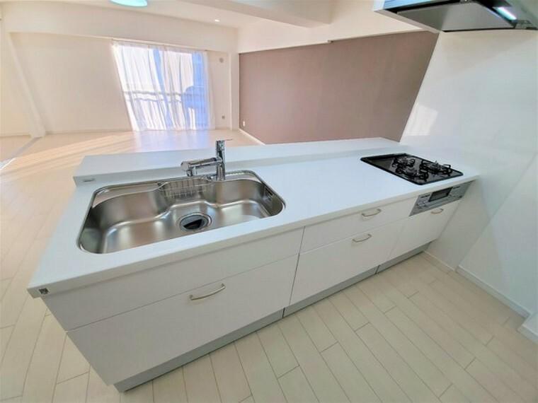 キッチン 新規交換済みの3口ガスグリル付キッチン