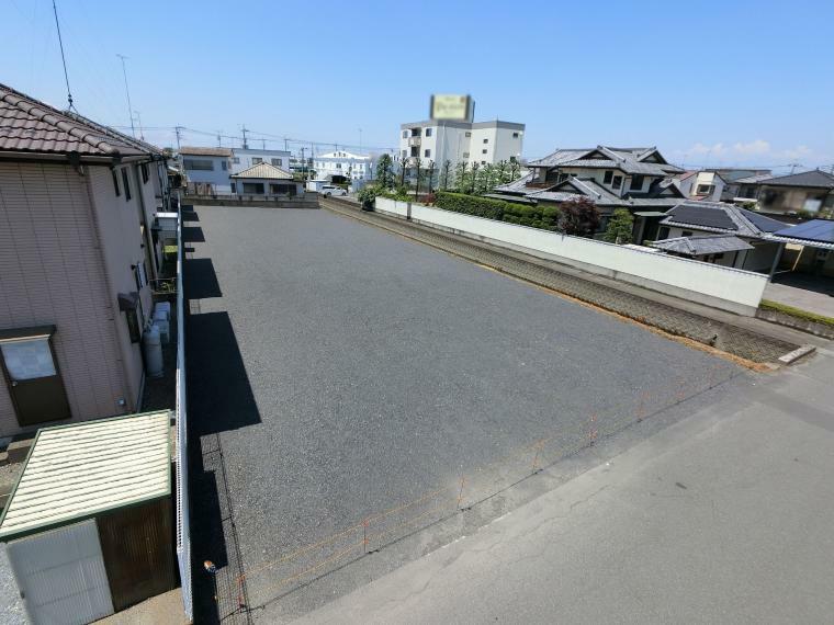 現況写真 整形地3区画、建築条件なし国道まで近く、交通に便利です(*^^*)梁田小学校の地域です。