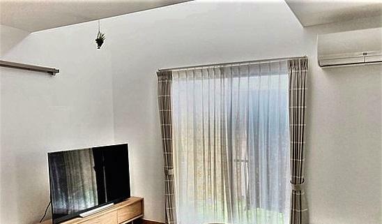 居間・リビング 吹抜のリビング明るい陽射しが入り、より広く感じます。