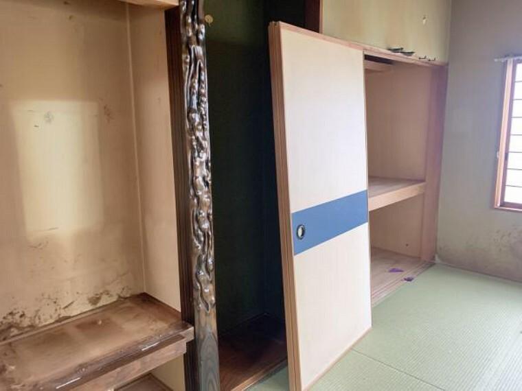 収納 [リフォーム前_和室収納]南側和室の収納です。現在押入となっていますが、クローゼットへ変更します。中段を撤去しポールと枕棚を新設します。