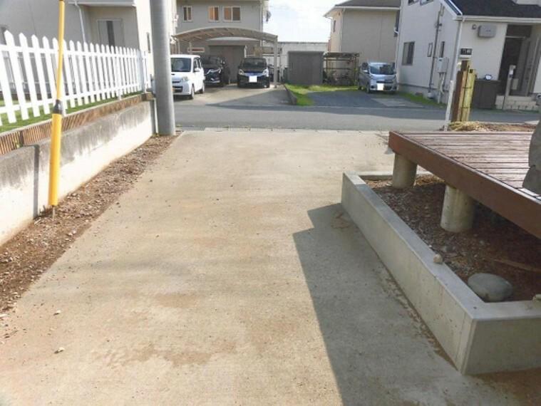 駐車場 3台駐車可能です。