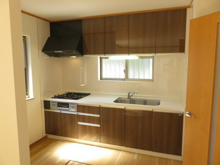 キッチン 2021年7月リフォームしました。キッチンも新規交換され快適にお使い頂けます。